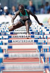 08-07-2006 ATLETIEK: NK BAAN: AMSTERDAM<br /> Judith Vis pakt het brons op 100 meter horden<br /> ©2006-WWW.FOTOHOOGENDOORN.NL