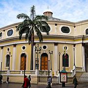 TEATRO MUNICIPAL DE CARACAS<br /> Caracas - Venezuela 2008<br /> Photography by Aaron Sosa<br /> <br /> El Teatro Municipal de Caracas es un espacio dedicado a la representación de óperas, espectáculos musicales y obras de teatro, y uno de los más importantes de Caracas hasta la inauguración del Teatro Teresa Carreño en 1983. Está ubicado en el centro histórico de la ciudad, en la esquina Municipal de El Silencio.