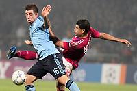 FOOTBALL - UEFA CHAMPIONS LEAGUE 2011/2012 - GROUP STAGE - GROUP D - OLYMPIQUE LYONNAIS v AJAX AMSTERDAM - 22/11/2011 - PHOTO EDDY LEMAISTRE / DPPI - EDERSON (OL) / THEO JANSSEN (AJAX)