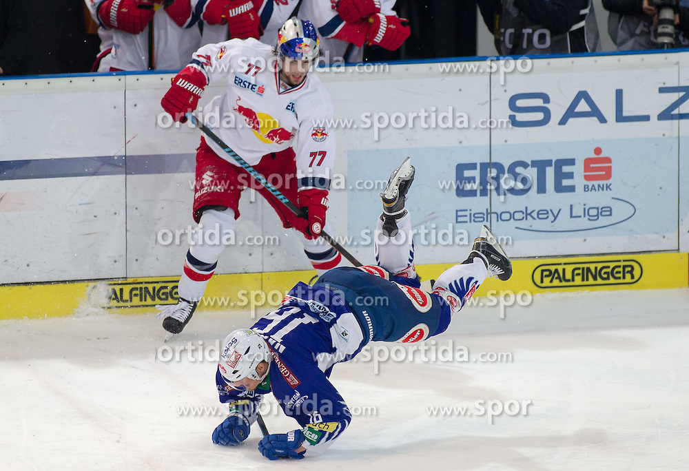 15.03.2015, Eisarena, Salzburg, AUT, EBEL, EC Red Bull Salzburg vs EC VSV, 59. Runde, 5. Viertelfinale, im Bild v.l.: Florian Muehlstein (EC Red Bull Salzburg), Daniel Nageler (EC VSV) // during the Erste Bank Icehockey League 59th round match, 5th quarterfinal between EC Red Bull Salzburg and EC VSV at the Eisarena in Salzburg, Austria on 2015/03/15. EXPA Pictures © 2015, PhotoCredit: EXPA/ JFK