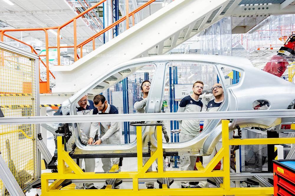 TORINO, Mirafiori, Produzione Maserati Levanto, controllo sull'assemblaggio dela scocca in alluminio the production chain of Maserati Levante