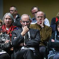Nederland, Amsterdam , 3 oktober 2010..Job Cohen tijdens  van de discussieavond van PvdA in Felix Meritis met als titel: PvdA Amsterdam: Wat is uw mening?.De PvdA nodigt leden engeïntereseerden uit om te debatteren over het regeer- en gedoogakkoord van VVD, CDA en PVV. .Op de foto links van Job Cohen zit Guusje Ter Horst tegenwoordig lid van de PvdA..Foto:Jean-Pierre Jans