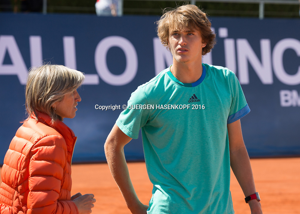 Alexander Zverev (GER) und Mutter Irina nach dem Training<br /> <br /> Tennis - BMW Open2016 -  ATP  -  MTTC Iphitos - Munich -  - Germany  - 30 April 2016.