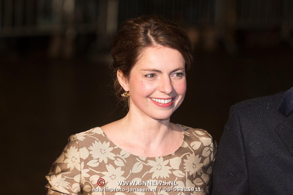 NLD/Scheveningen/20131130 - Inloop concert 200 Jaar Koningrijk der Nederlanden, prins Carlos en partner Annemarie van Weezel