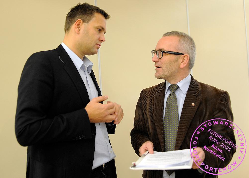 (L) SEBASTIAN CHMARA & (R) MACIEJ GRZESKOWIAK DURING BOARD MEETING OF POLISH ATHLETICS FEDERATION IN CITY HOTEL IN BYDGOSZCZ...BYDGOSZCZ , POLAND , DECEMBER 7, 2009..( PHOTO BY ADAM NURKIEWICZ / MEDIASPORT )..*** ZDJECIE MOZE BYC OPUBLIKOWANE, GDY SPOSOB JEGO WYKORZYSTANIA ORAZ PODPIS NIE OBRAZAJA OSOB ZNAJDUJACYCH SIE NA FOTOGRAFII ***