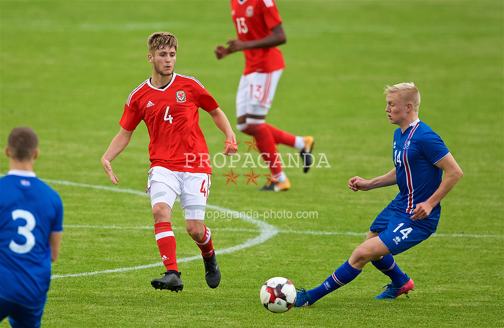 RHYL, WALES - Monday, September 4, 2017: Wales' Ryan Reynolds and Iceland's Daníel Hafsteinsson during an Under-19 international friendly match between Wales and Iceland at Belle Vue. (Pic by Paul Greenwood/Propaganda)