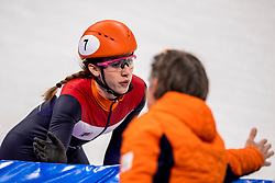 20-02-2018 KOR: Olympic Games day 11, PyeongChang<br /> 3000m relay vrouwen shorttrack / Nederland pakt toch de bronze medaille, Suzanne Schulting of the Netherlands, Jeroen Otter