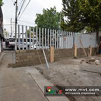 TOLUCA, MÈxico.- (Marzo 06, 2018).- Vecinos de Residencial ColÛn y Colonia CiprÈs cerraron la circulaciÛn vehicular de dos calles  por problemas de inseguridad en la zona,  construyendo dos bardas en las calles de CiprÈs y Cedro. Agencia MVT / Crisanta Espinosa.
