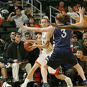 2004 Hurricanes Women's Basketball