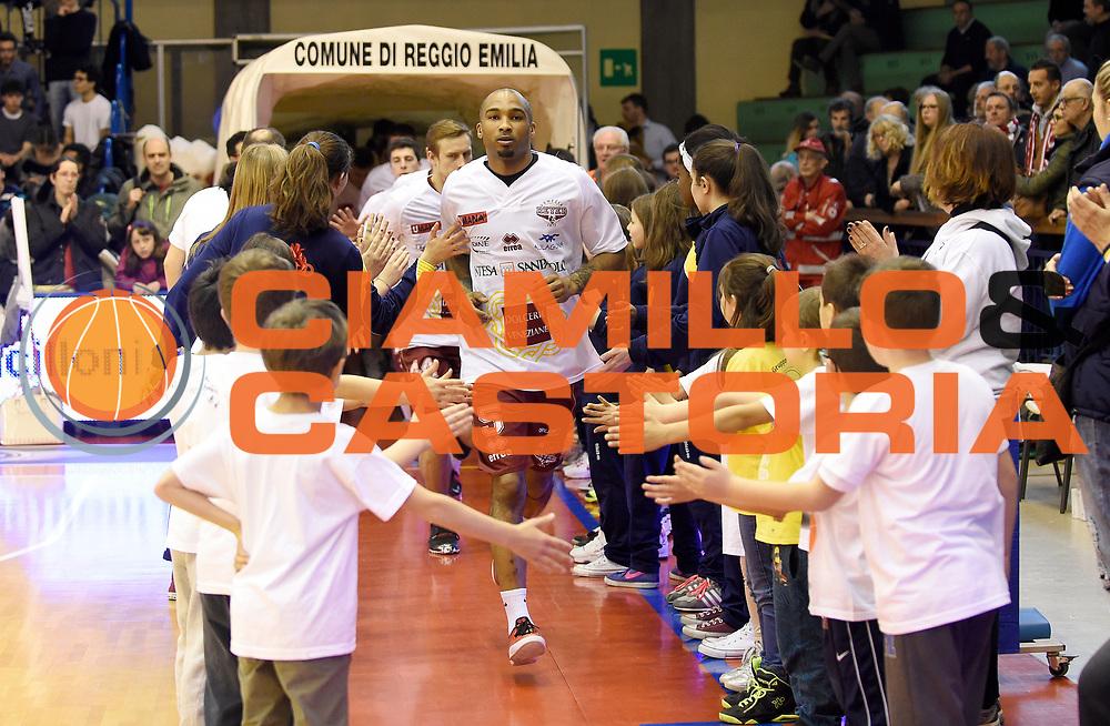 DESCRIZIONE : Reggio Emilia Campionato Lega A 2014-15 Grissin Bon Reggio Emilia Umana Reyer Venezia<br /> GIOCATORE : Phil Goss<br /> CATEGORIA : PreGame Pre Game<br /> SQUADRA : Umana Reyer Venezia<br /> EVENTO : Campionato Lega A 2014-15<br /> GARA : Grissin Bon Reggio Emilia Umana Reyer Venezia<br /> DATA : 04/04/2015<br /> SPORT : Pallacanestro <br /> AUTORE : Agenzia Ciamillo-Castoria/A.Giberti<br /> Galleria : Campionato Lega A 2014-15  <br /> Fotonotizia : Reggio Emilia Campionato Lega A 2014-15 Grissin Bon Reggio Emilia Umana Reyer Venezia<br /> Predefinita :