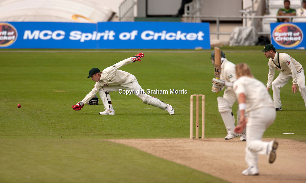 Wicket keeper Tim Paine fails to stop a Shane Watson ball down the legside during the second MCC Spirit of Cricket Test Match between Pakistan and Australia at Headingley, Leeds.  Photo: Graham Morris (Tel: +44(0)20 8969 4192 Email: sales@cricketpix.com) 23/07/10
