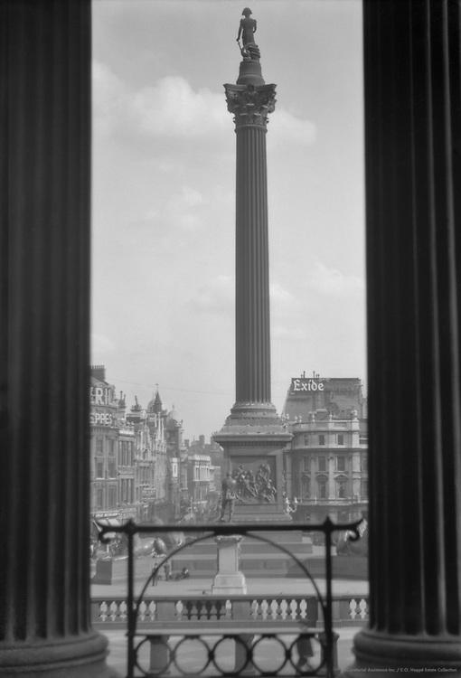 Trafalgar Square, Nelson's Column, London, 1925