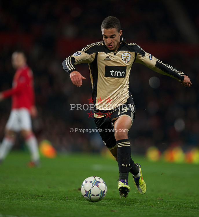 MANCHESTER, ENGLAND - Tuesday, November 22, 2011: SL Benfica's Rodrigo in action against Manchester United during the UEFA Champions League Group C match at Old Trafford. (Pic by David Rawcliffe/Propaganda)