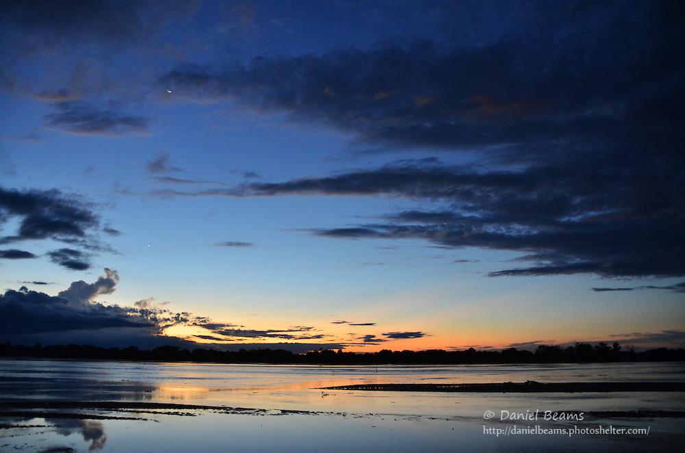 Sunset over the Rio Parapeti in Isosog