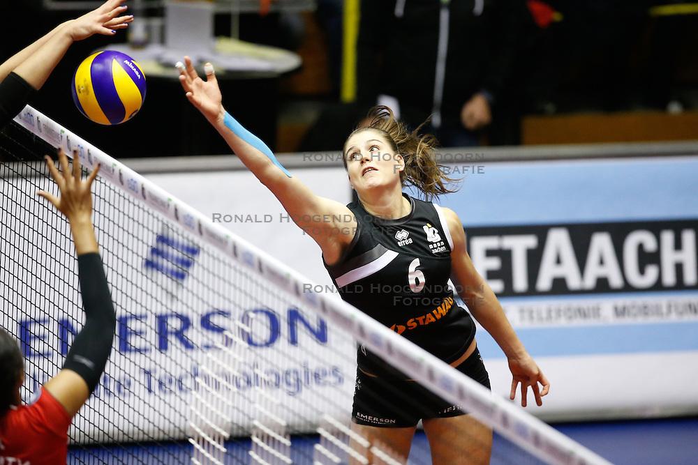 20161106 DUI: Bundesliga, Ladies in Black Aachen - MTV Allianz Stuttgart: Aachen<br />Frauke Neuhaus (6) of Ladies in Black Aachen<br />©2016-FotoHoogendoorn.nl / Pim Waslander
