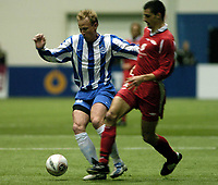Fotball, Royal league, 17 februar 2005, Brann - Odense, 2-1, Søren Berg, Odense og Paul Scharner, Brann.