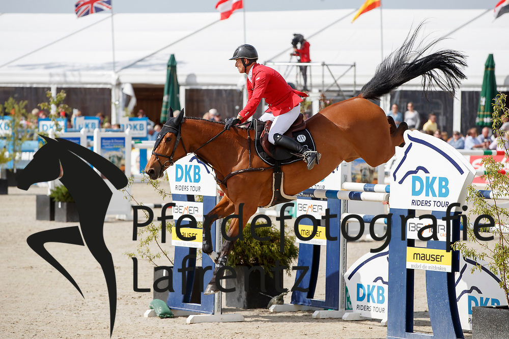 SCHWIZER Pius (SUI), Chidame Z<br /> Hagen - Horses and Dreams meets the Royal Kingdom of Jordan 2018<br /> Grosser Preis der DKB Qualifikation DKB-Riders Tour<br /> 30 April 2018<br /> www.sportfotos-lafrentz.de/Stefan Lafrentz