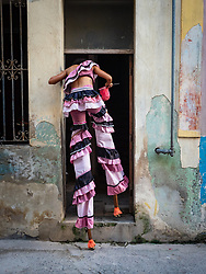 I followed Havana's stilt dancers aftera performance and was susprised when they ducked into the building across the street from my Casa
