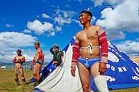 Mongolie, province de Ovorkhangai, Ondorshireet, la fete du Naadam, tournoi de lutte// Mongolia, Ovorkhangai province, Ondorshireet, the Naadam festival, wrestling