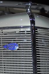 2005 CATA (Chicago Auto Show),antique Lincoln Zephyr V12