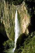 MEXICO, CHIHUAHUA STATE Basaseachic Falls, 2nd highest in Mexico