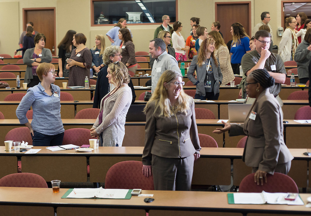 Attendees of the Marketing Symposium participate in a partner exercise led by Dan Farkas, an instructor in Ohio University's Scripps College of Communication, during his presentation at the Marketing Symposium on November 2, 2016.
