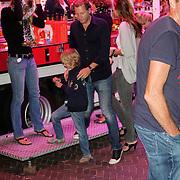 NLD/Blaricum/20120822 - Blaricumse Kermis 2012, Marloes Mens, Michiel Mol en zijn kinderen