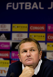 Head coach  of Slovenian National football team Matjaz Kek at the press conference a day before FIFA World Cup Qualifications match between Slovakia and Slovenia, on October 09, 2009, in Tehelne Pole Stadium, Bratislava, Slovakia.  (Photo by Vid Ponikvar / Sportida)