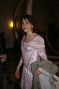 Hadley Freeman, private view for Continuum by Conrad Shawcross. Queen's House. National Maritime Museum. Greenwich. 17 December 2004. ONE TIME USE ONLY - DO NOT ARCHIVE  © Copyright Photograph by Dafydd Jones 66 Stockwell Park Rd. London SW9 0DA Tel 020 7733 0108 www.dafjones.com