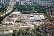 Nederland, Amsterdam, Zuid, 17-06-2008; Europaboulevard en Europaplein met beurs- en congrescentrum RAI; achter de expohallen het Beatrixpark en de Zuidas; expo, tentoonstelling, tentoonstellen, beurs, beurzen..luchtfoto (toeslag); aerial photo (additional fee required); .foto Siebe Swart / photo Siebe Swart