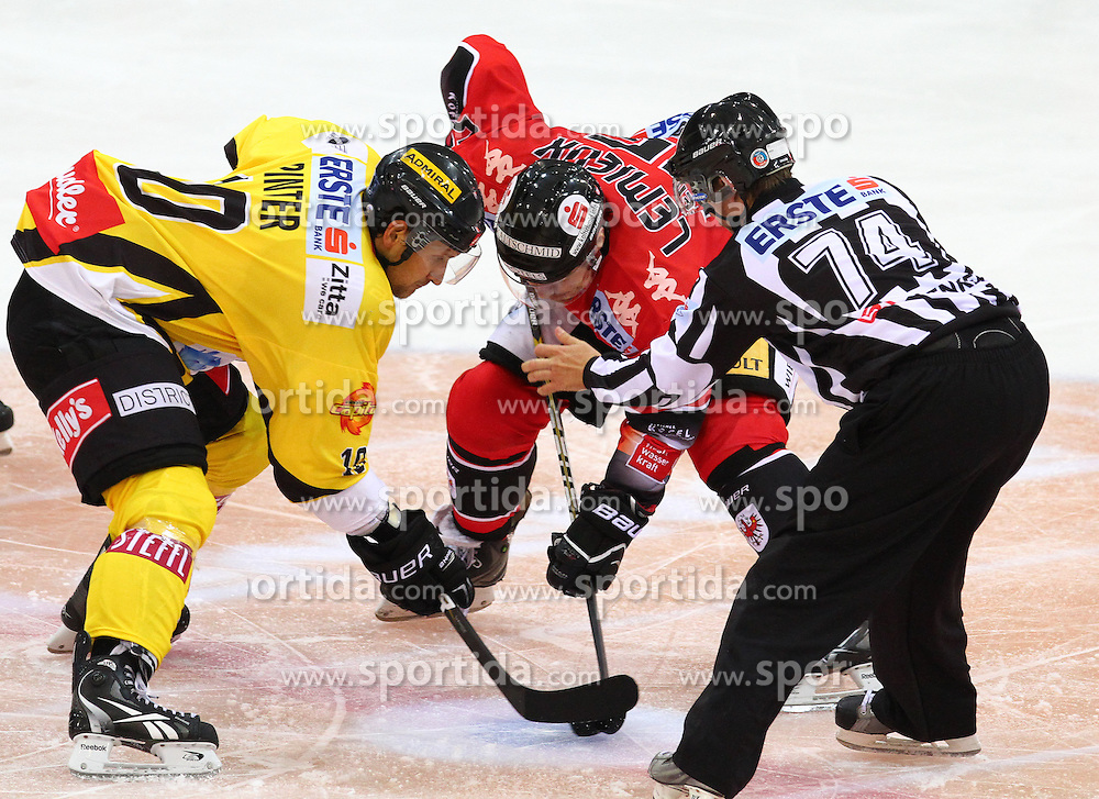 21.09.2012, Albert Schultz Eishalle, Wien, AUT, EBEL, UPC Vienna Capitals vs HC TWK Innsbruck, 5. Runde, im Bild Philipp Pinter, (UPC Vienna Capitals, #10), Francis Lemieux, (HC TWK Innsbruck, #55) und ein Referee // during the Erste Bank Icehockey League 5th Round match betweeen UPC Vienna Capitals and HC TWK Innsbruck at the Albert Schultz Ice Arena, Vienna, Austria on 2012/09/21. EXPA Pictures © 2012, PhotoCredit: EXPA/ Thomas Haumer