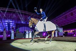 DEUSSER Daniel (GER), Killer Queen Vdm<br /> Doha - CHI Al SHAQAB 2020<br /> Siegerehrung<br /> Commercial Bank CHI Al Shaqab Grand Prix presented by LONGINES<br /> Int. jumping competition over two rounds and jump-off (1.60 m)<br /> 29. Februar 2020<br /> © www.sportfotos-lafrentz.de/Stefan Lafrentz