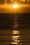 Cumuruxatiba_BA, Brasil...Amanhecer no litoral de Cumuruxatiba...The Sunsire in the Cumuruxatiba coast...Foto: MARCUS DESIMONI /  NITRO