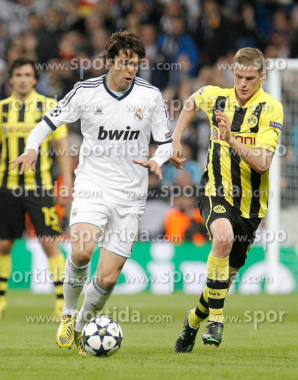 30.04.2013, Estadio Santiago Bernabeu, Madrid, ESP, UEFA CL, Real Madrid vs Borussia Dortmund, Halbfinale, Rueckspiel, im Bild Borussia Dortmund's Sven Bender against Real Madrid's Kaka // during UEFA Champions League 2nd Leg Semifinal Match between Real Madrid and Borussia Dortmund at the Estadio Santiago Bernabeu, Madrid, Spain on 2013/04/30. EXPA Pictures © 2013, PhotoCredit: EXPA/ Alterphotos/ Alvaro Hernandez..***** ATTENTION - OUT OF ESP and SUI *****
