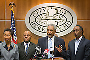 Mayor Theodore Hoskins during a news conference in Berkeley, Missouri, December 24, 2014. Antonio Martin, an armed 18-year old black teen was fatally shot by police at a gas station late on Tuesday in a St. Louis suburb near where unarmed teen Michael Brown was killed by a white officer in August.   REUTERS/Kate Munsch  (UNITED STATES)
