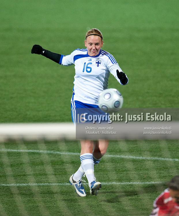 Anna Westerlund. Suomi - Armenia. Naisten maajoukkue. MM-karsintaottelu. Helsinki 21.11.2009. Photo: Jussi Eskola