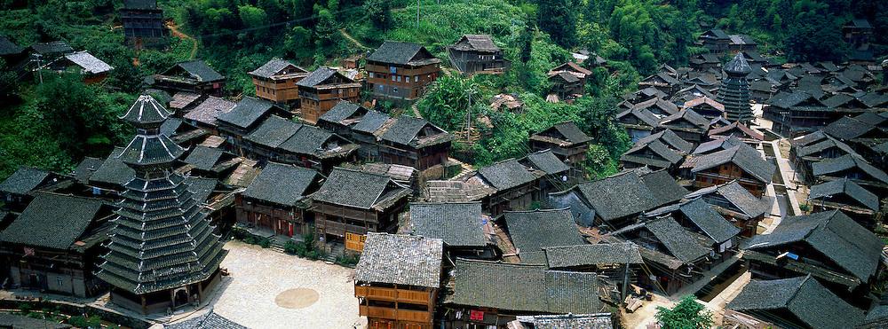 Chine. Province du Guizhou. Village Dong de Yingtan. Tour du Tambour. // China. Guizhou province. Dong village of Yingtan. Drum Tower.