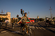 SWEDEN- STOKHOLM - 26/09/2006 : cyclist in the city center, Bycicle is very popular in Sweden .///.cyclistes dans le centre ville, Le velo est un moyen de transport tres populaire, pour tous les ages et tous les genres.