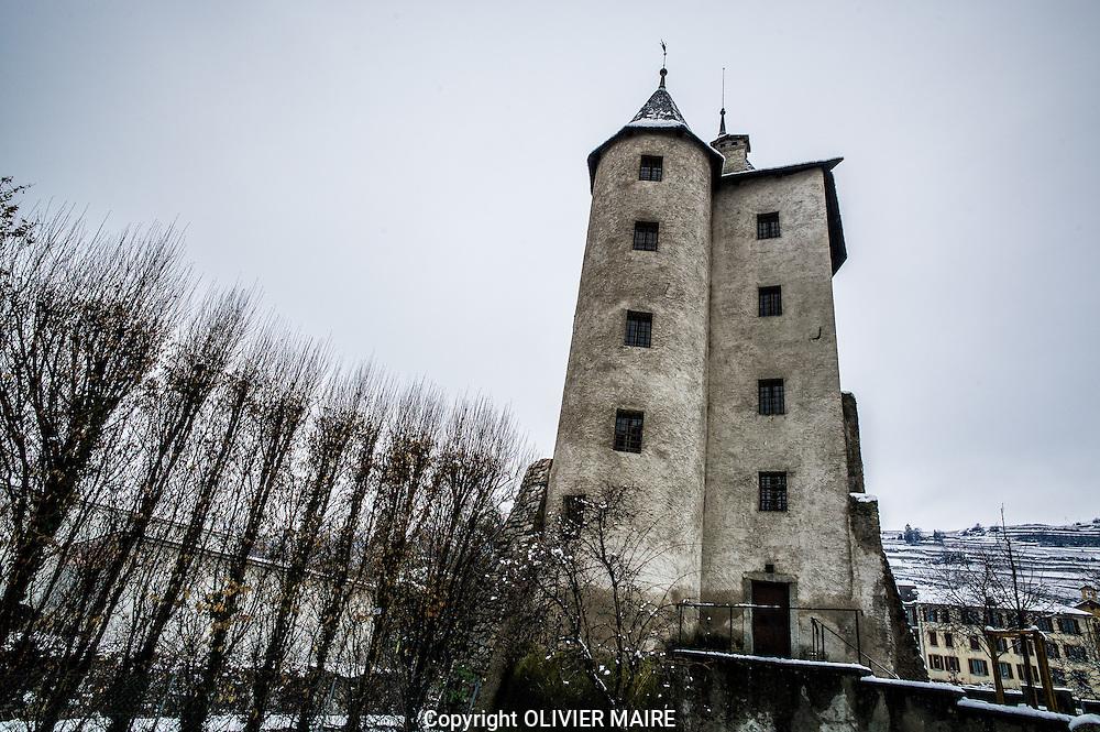 Balade a Sion le 8 janvier 2016.<br /> la Tour des Sorciers<br /> Sion (capitale du Valais) compte plus de 7&rsquo;000 ans d&rsquo;histoire.<br /> Fort de cette richesse et d&rsquo;un centre historique d&rsquo;une grande<br /> beaut&eacute;, l&rsquo;Office du Tourisme a mis en place une &ldquo;Balade<br /> D&eacute;couverte&rdquo; qui permet d&rsquo;appr&eacute;cier la ville.<br /> <br /> (PHOTO-GENIC.CH/ OLIVIER MAIRE)