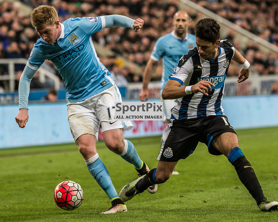 Manchester City midfielder Kevin De Bruyne (17) on the ball in the Premier League match between Newcastle United and Manchester City <br /> <br /> (c) John Baguley | SportPix.org.uk