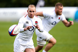 Dan Robson of England - Mandatory by-line: Robbie Stephenson/JMP - 08/03/2019 - RUGBY - England - Training session ahead of Guinness Six Nations match against Italy