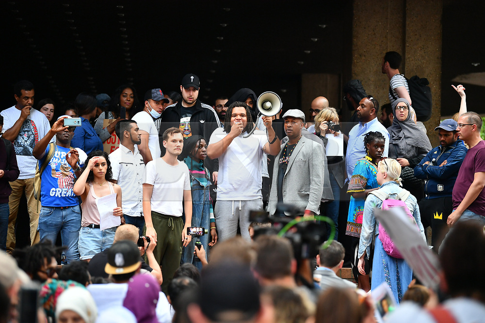 © Licensed to London News Pictures. 16/06/2017. London, UK. The scene of a demonstration and match by residents and campaigners at Kensington Town Hall in west London following a fire at the Grenfell tower block in west London earlier this week. The blaze engulfed the 27-storey building killing 12 - with 34 people still in hospital, 18 of whom are in critical condition. The fire brigade say that they don't expect to find anyone else alive. Photo credit: London News Pictures