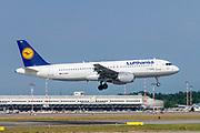 Lufthansa Airbus A320-211 at Malpensa (MXP / LIMC), Milan, Italy