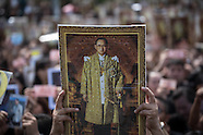 Bangkok: Thais mourners gathers to mark passing of King Bhumibol Adulyadej, 22 Oct. 2016