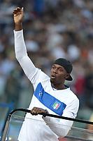 """Usain Bolt giro di pista con la maglia dell'Italia<br /> Roma 31/5/2012 Stadio """"Olimpico""""<br /> Atletica Compeed Golden Gala 2012<br /> Track and Fields<br /> Foto Andrea Staccioli Insidefoto"""