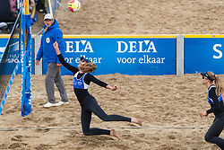 25-08-2018 NED: DELA Beach NK Volleyball, Scheveningen<br /> Jolien Sinnema NED #1 , Laura Bloem NED #2