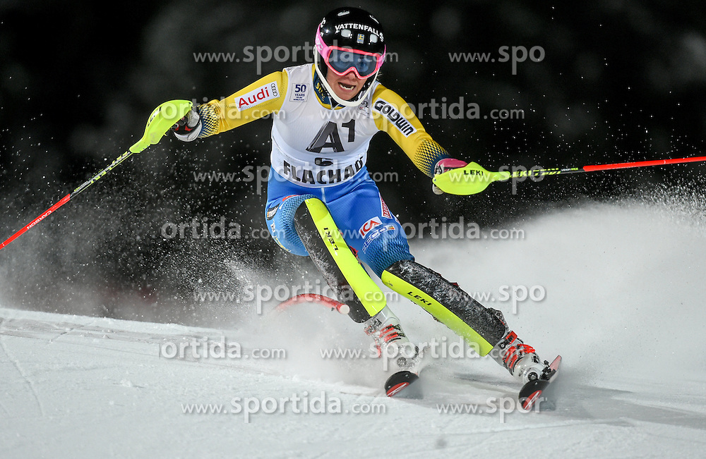10.01.2017, Hermann Maier Weltcupstrecke, Flachau, AUT, FIS Weltcup Ski Alpin, Flachau, Slalom, Damen, 1. Lauf, im Bild Frida Hansdotter (SWE) // Frida Hansdotter of Sweden in action during her 1st run of ladie's Slalom of FIS ski alpine world cup at the Hermann Maier Weltcupstrecke in Flachau, Austria on 2017/01/10. EXPA Pictures © 2017, PhotoCredit: EXPA/ Erich Spiess