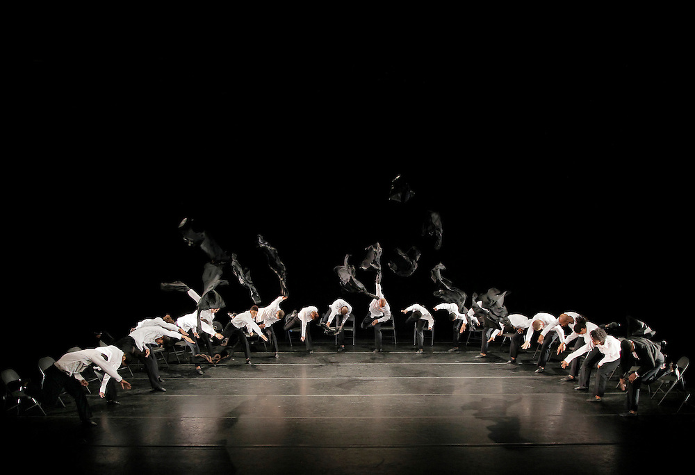 Minus 16.Choreography by Ohad Naharin.Alvin Ailey American Dance Theater.Credit Photo: Paul Kolnik.studio@paulkolnik.com.nyc 212-362-7778..