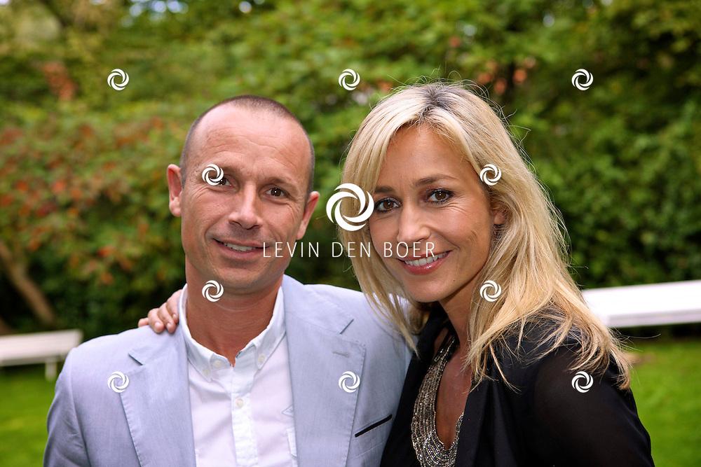 AMSTERDAM - In Hotel Arena is de persviewing geweest van Ushi en The Family. Met op de foto broer en zus Mike en Wendy van Dijk. FOTO LEVIN DEN BOER - PERSFOTO.NU