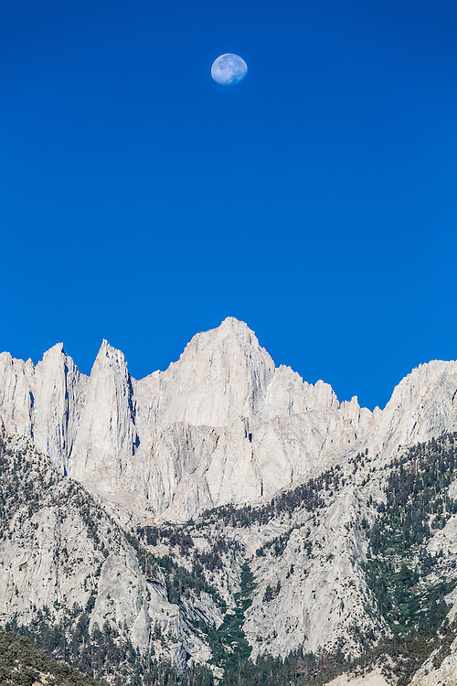 http://Duncan.co/moonset-mount-whitney/